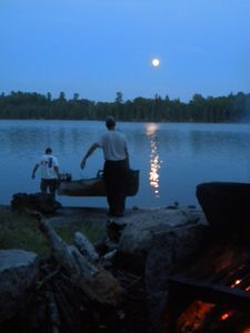 full moon = topwater fishing time